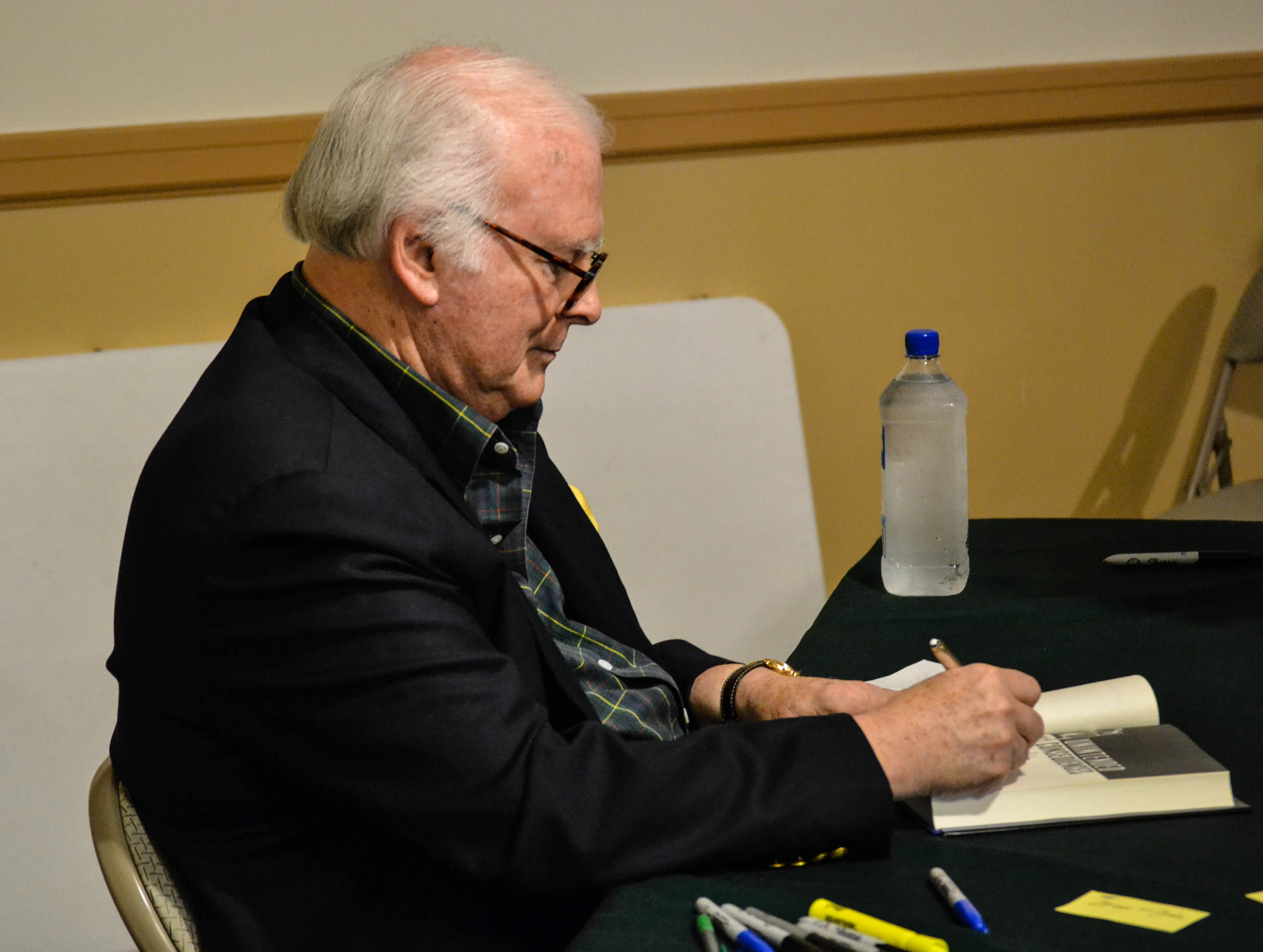 Stuart Woods' Book Signing